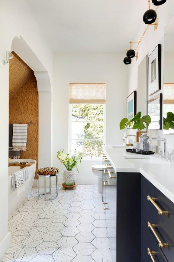 Cape Dutch Modern bath
