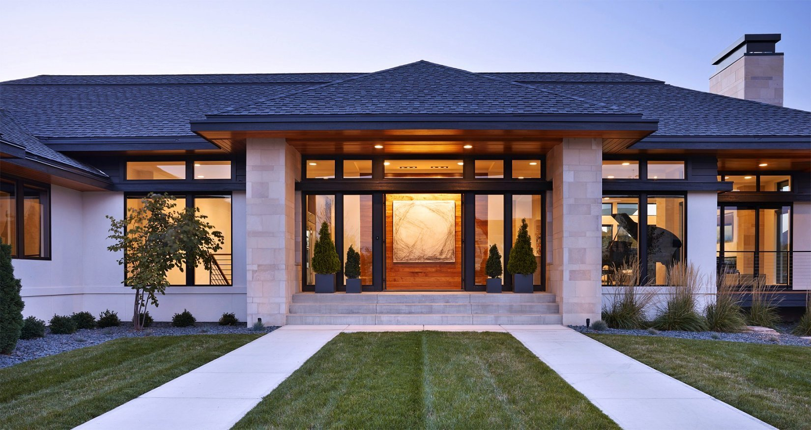 Sioux Falls Modern style home grand entry