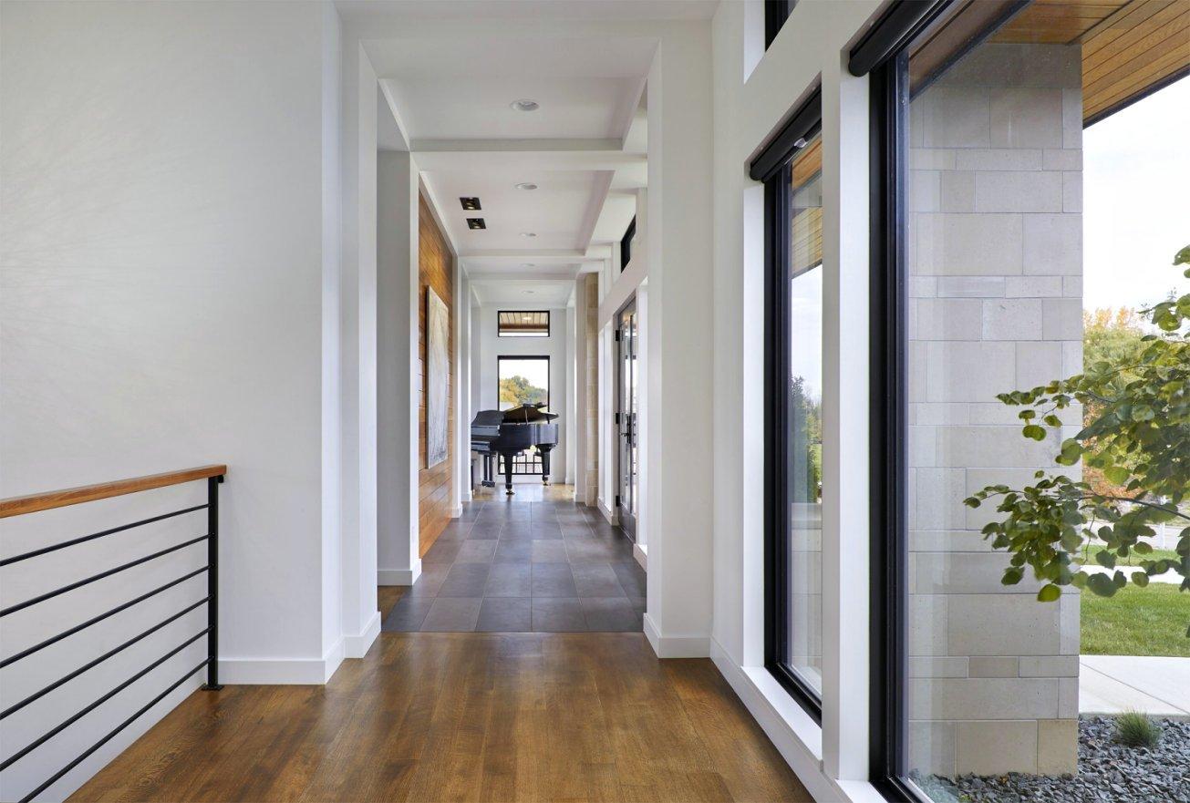 Sioux Falls Modern windowed hallway